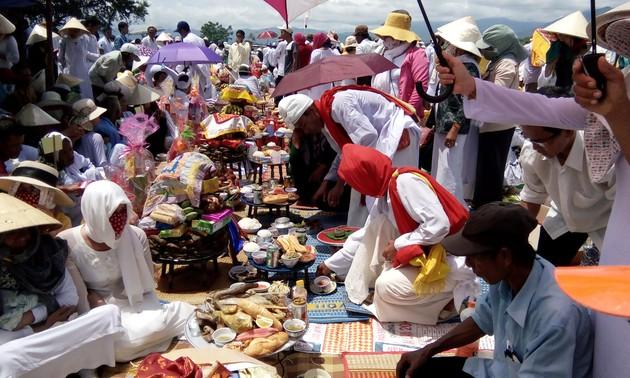 Funeral customs of the Brahmin Cham ethnic minority