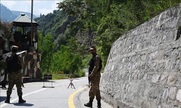 India-Pakistan tensions in Kashmir escalate