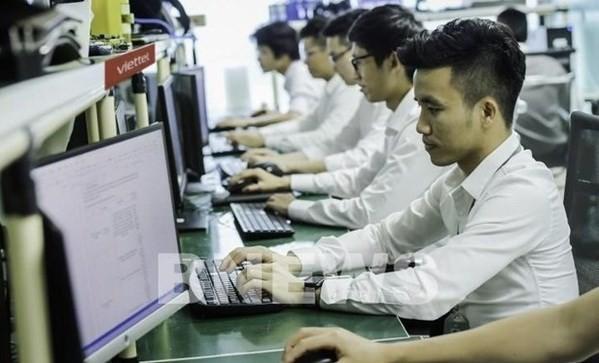 Vietnam Report announces top 10 prestigious technology firms in 2021