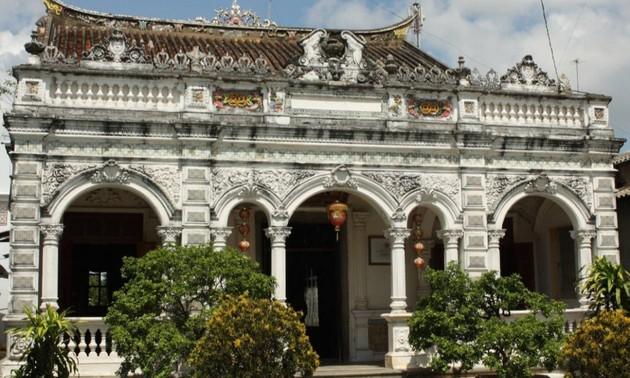 Старинный дом Хюинь Тхюи Ле