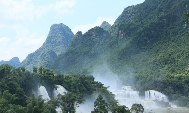 Банжок – один из самых грандиозных водопадов в Юго-Восточной Азии