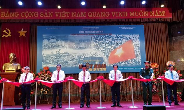 Открылась тематическая выставка «Вьетнам – независимость и самостоятельность»