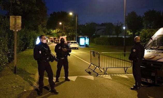Теракт во Франции: жертвой стал школьный учитель