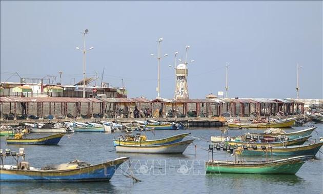 Израиль расширил зону рыболовства для сектора Газа