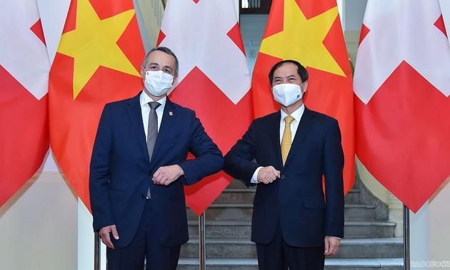 Вьетнам и Швейцария продолжают укреплять взаимодоверие и активизировать сотрудничество в постпандемический период