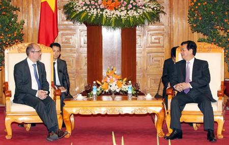 Thủ tướng Nguyễn Tấn Dũng tiếp Phó Thủ tướng Vương quốc Bỉ Johan Vande Lanotte