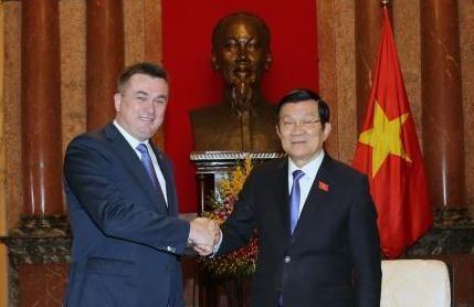 Chủ tịch nước Trương Tấn Sang tiếp Thống đốc tỉnh Primorie, Liêng bang Nga