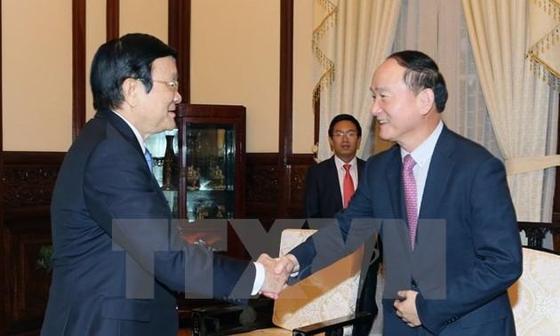 Chủ tịch nước Trương Tấn Sang tiếp Tổng giám đốc Công ty Samsung Việt Nam