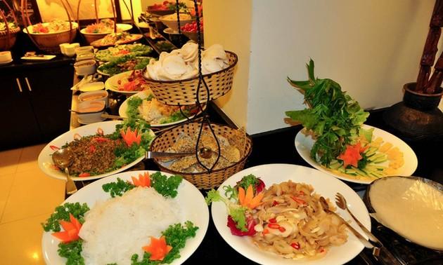 """""""Bữa ăn trưa cuối năm"""" ở Pháp quyên góp giúp đồng bào miền Trung"""