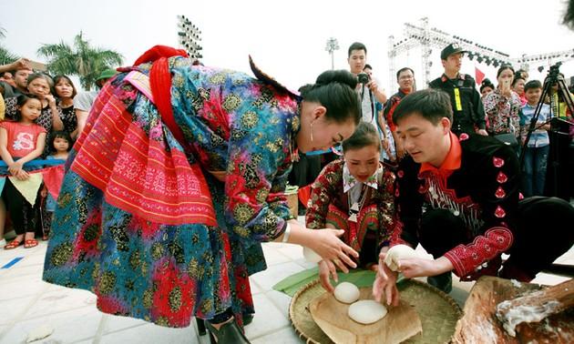 Sôi động các hoạt động Lễ hội hoa ban Điện Biên năm 2018