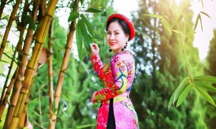 """Hoa hậu Áo dài phu nhân người Việt toàn Châu Âu Đặng Bích Lan: Mang """"Giấc mơ Nàng"""" để tôn vinh vẻ đẹp người phụ nữ Việt"""