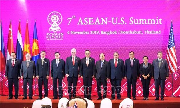 Thủ tướng dự Hội nghị Cấp cao ASEAN - Hoa Kỳ lần thứ 7 và Phiên toàn thể Hội nghị Cấp cao Đông Á lần thứ 14