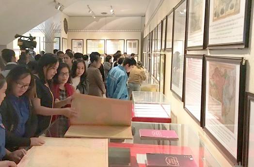Trưng bày tư liệu lịch sử và pháp lý về quần đảo Hoàng Sa, Trường Sa tại Kon Tum