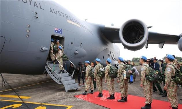 Lễ tiễn cán bộ, nhân viên Bệnh viện dã chiến cấp 2 số 2 lên đường sang Nam Sudan