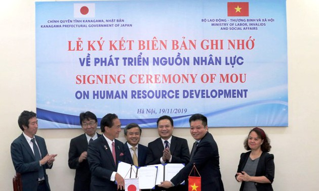 Việt Nam – Nhật Bản ký bản ghi nhớ về phát triển nguồn nhân lực