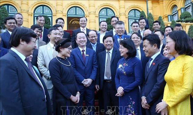 Phó Chủ tịch nước Đặng Thị Ngọc Thịnh gặp mặt Đoàn nhà giáo giáo dục nghề nghiệp tiêu biểu