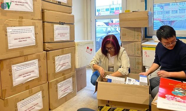 Kiều bào Séc ủng hộ trang thiết bị y tế cho đồng bào tại Vĩnh Phúc