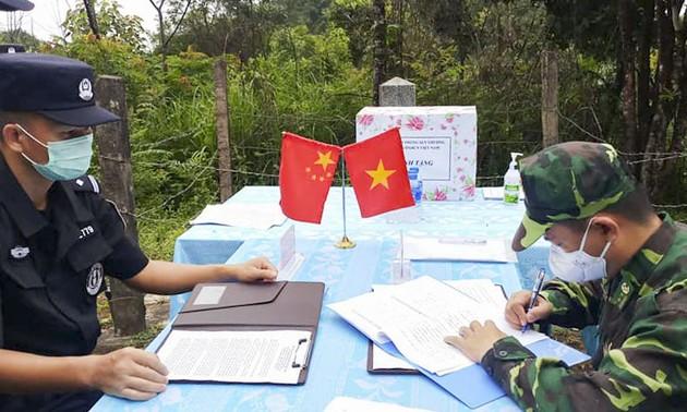 Biên phòng Điện Biên hội đàm thực địa với Kiểm soát biên phòng, xuất nhập cảnh Vân Nam (Trung Quốc)