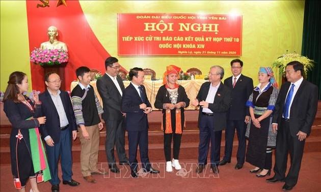 Thường trực Ban Bí thư Trần Quốc Vượng tiếp xúc cử tri tỉnh Yên Bái