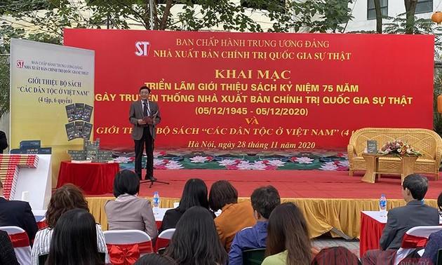 """Ra mắt bộ sách """"Các dân tộc ở Việt Nam"""""""