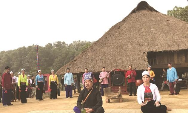 Dân tộc Mường ở Hòa Bình gìn giữ tiếng mẹ đẻ