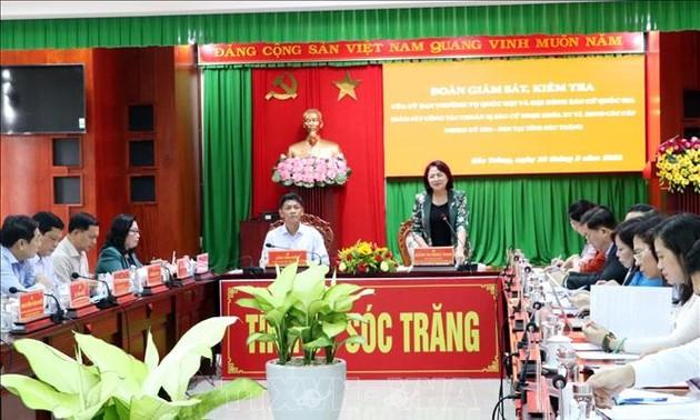Phó chủ tịch nước Đặng Thị Ngọc Thịnh kiểm tra công tác bầu cử tại Sóc Trăng
