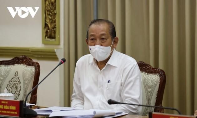 Phó Thủ tướng Trương Hòa Bình yêu cầu Thành phố Hồ Chí Minh quyết liệt phòng chống dịch bệnh, kịp thời khống chế lây lan