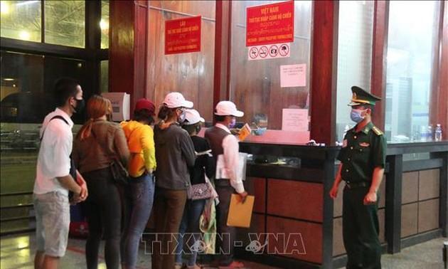 Đại sứ quán Việt Nam tại Lào thông báo về việc nhập cảnh Việt Nam