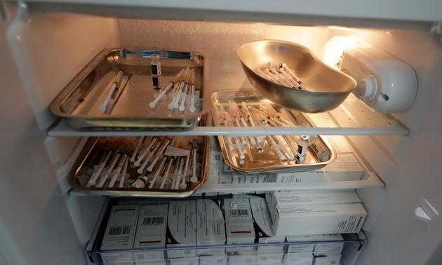 Liên minh toàn cầu về vaccine cung cấp tủ lạnh chuyên dụng bảo quản vaccine ngừa COVID-19 cho Việt Nam