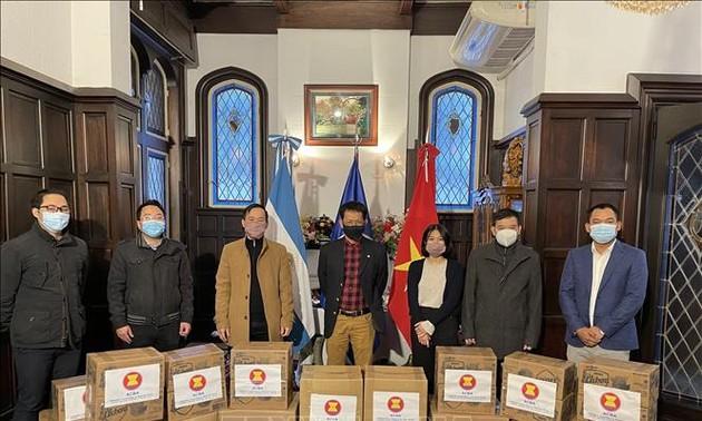 Các nước ASEAN quyên góp ủng hộ người nghèo tại Argentina
