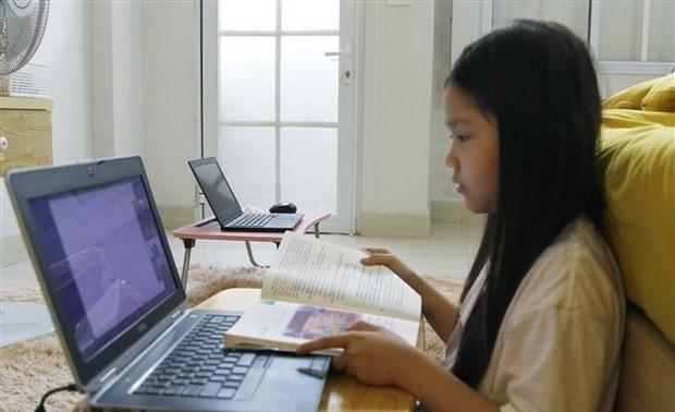 Bộ Giáo dục và Đào tạo chỉ đạo việc dạy trực tuyến cho học sinh lớp 1