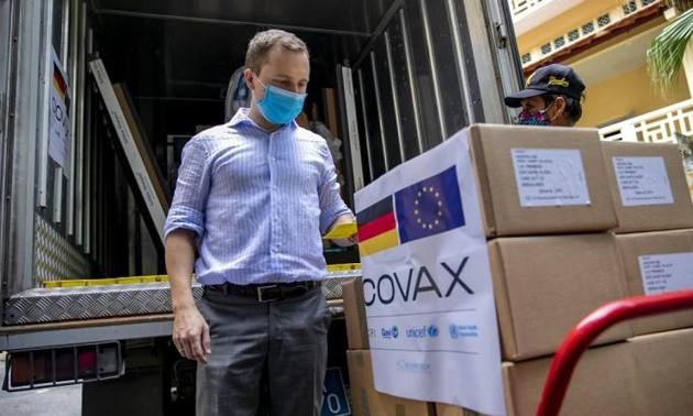 Việt Nam tiếp nhận hơn 2,6 triệu liều vaccine Pfizer do Hoa Kỳ trao tặng