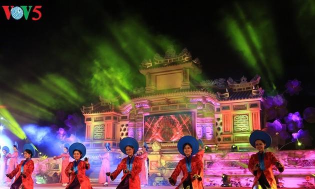 "Festival Hue 2018:  Pesta ""Aroma lama desa kuno"" menyerap kedatangan kira-kira 50.000 pengunjung"