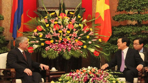 President receives Armenian Foreign Minister