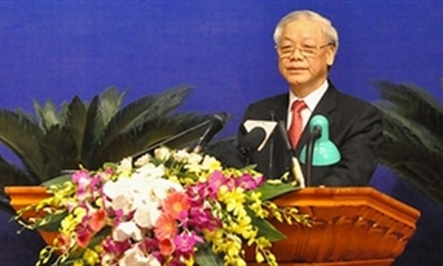 Party leader underlines criticism, self-criticism in party building