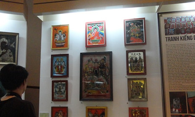 Vietnamese traditional culture through 12 typical kinds of folk paintings