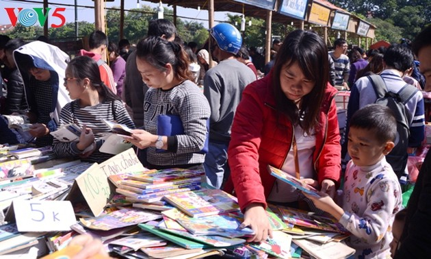 Promoting community's reading culture