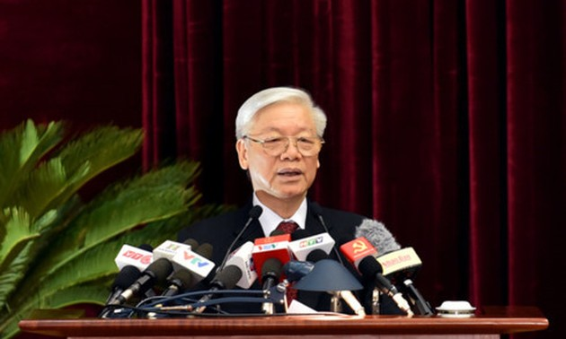 Party Central Committee's 5th Plenum issues 3 specialized resolutions on economic issues