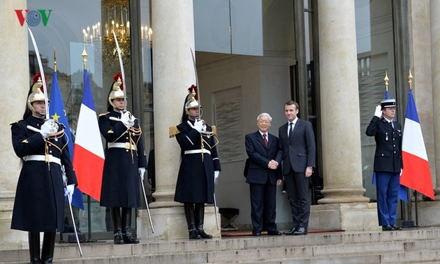 French newspapers hail Party leader's official visit to France