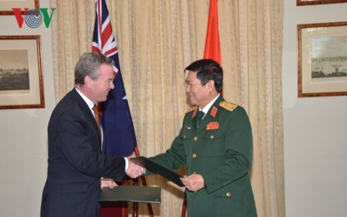 Vietnam, Australia sign Joint Vision Statement on Further Defense Cooperation