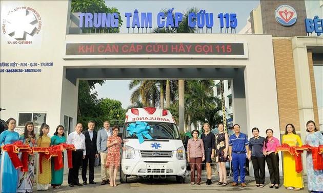 US company donates medical equipment to Ho Chi Minh City Emergency Center