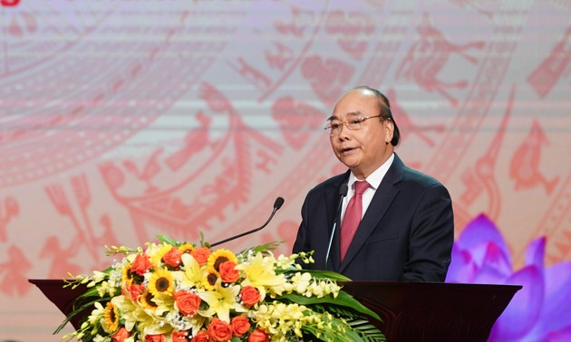 Prime Minister calls on Hanoi to promote patriotic emulation