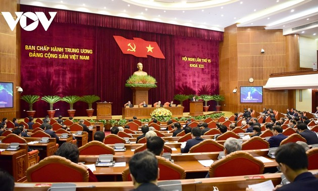 Party Central Committee opens 15th plenum to nominate key personnel