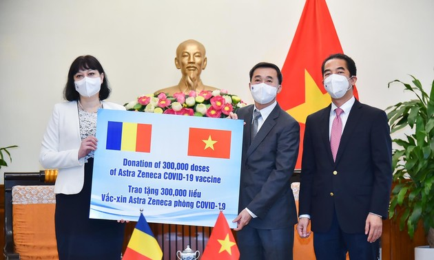 Vietnam receives 300,000 COVID-19 vaccine doses from Romanian Government