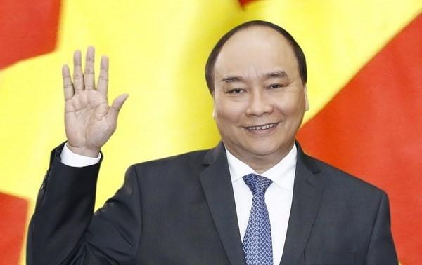 President Nguyen Xuan Phuc leaves Hanoi for Cuba visit