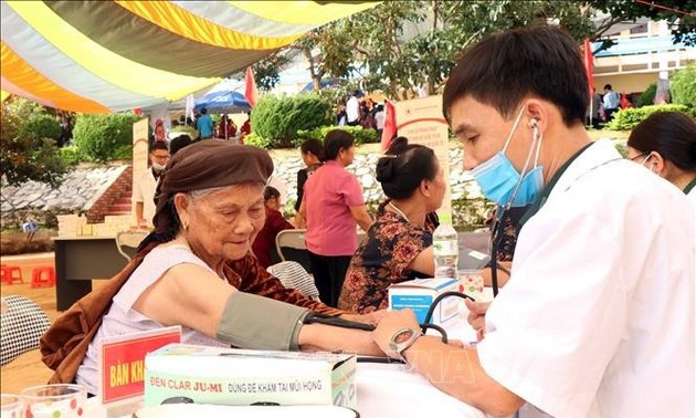 How are Vietnamese senior citizens taken care of during pandemic?