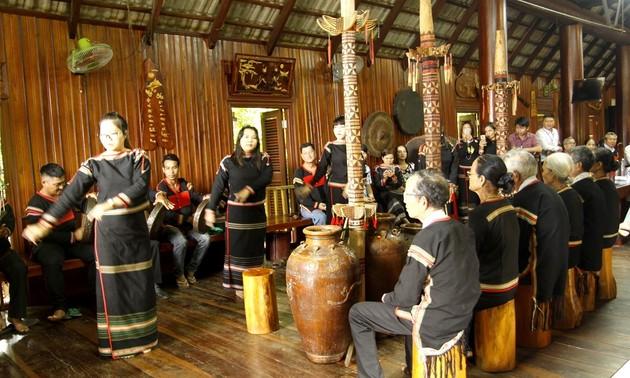 祝寿仪式体现了埃德族同胞尊老敬老的文化美