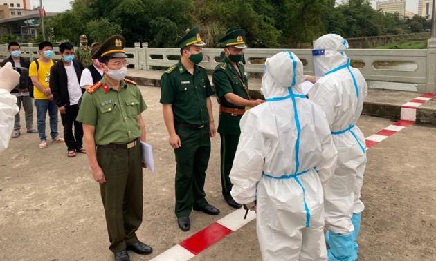 向中国广西壮族自治区移交非法入境越南的4名中国公民