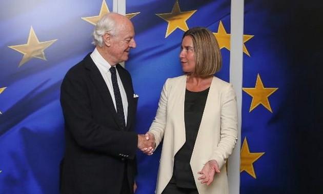ООН и ЕС ищут способ мирного урегулирования ситуации в Сирии