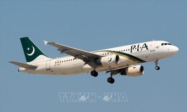 ЕС запретил пакистанской авиакомпании летать в Европу